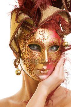 Giovane e bella donna in maschera di Carnevale — Immagini Stock #1741074