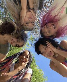 I Need Friends, Cute Friends, Cute Friend Pictures, Friend Photos, Best Friends Aesthetic, Insta Photo Ideas, Best Friend Goals, Teenage Dream, Summer Aesthetic