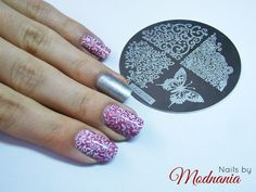 Very pretty nails! Use product: stamping template. Enjoy them here>> http://modnania.blogspot.com/2015/06/pytka-hehe-004-od-lady-queen.html