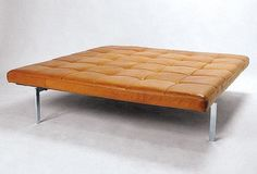 Steel Properties, Poul Kjaerholm, Leather Ottoman, Construction Materials, Mid Century Furniture, Furniture Inspiration, Daybed, Home Furnishings, Furniture Design