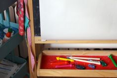 art easel for 1 year old via craftingconnections.net