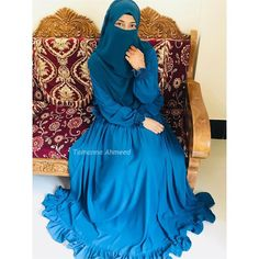 Arab Girls Hijab, Girl Hijab, Muslim Girls, Girls Fashion Clothes, Women's Fashion, Fashion Outfits, Niqab, Hijab Gown, Cute Photography