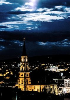 Kolozsvár by night Romania Tours, Places Around The World, Around The Worlds, Michael S, Bulgaria, Homeland, Empire State Building, Places To See, To Go