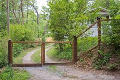 love this fence - Get $25 credit with Airbnb if you sign up with this link http://www.airbnb.com/c/groberts22