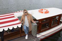 Balade en bateau historique Amsterdam Historic Boat Tour Amsterdam @ Delphine Amsterdam private-boat-for-amsterdam-light-festival