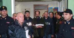 L'uomo, dal carcere di Novara, è stato portato direttamente in una località segreta con moglie e figlio.Genitori e suoceri hanno rifiutato il programma di protezione