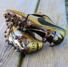 Nike-Tempo – Sinan Demir – Join the world of pin Best Soccer Shoes, Best Soccer Cleats, Adidas Soccer Shoes, Nike Football Boots, Nike Boots, Nike Cleats, Soccer Boots, Adidas Shoes Women, Football Cleats