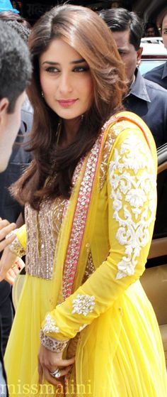 Her hair is beautiful like hair of a fairy flying in the sky. Who is she????? Kareena Kapoor