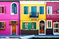 Burano is Italy's technicolor town, located in the same lagoon as Venice. According to When On Earth, fishermen decided to paint their house...