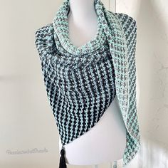 Knitted Shawls, Crochet Scarves, Crochet Shawl, Crochet Wedding, Bridal Shawl, Autumn Clothes, Lace Scarf, Capelet, Crochet Fashion