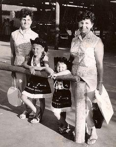 1958-Knott's Twins & Sisters A trip to Knott's Berry Farm in Buena Park, CA