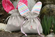 Rabbit & Carrot - Sewing bag with drawstring for Easter - greenfietsen. Easter Projects, Easter Crafts For Kids, Craft Stick Crafts, Easy Crafts, Baby Blanket Crochet, Crochet Baby, Hand Crochet, Crochet Hooks, Boyfriend Crafts