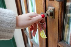 Porte clé fruité citron Key, Personalized Items, Boutique, Lemon, Unique Key, Keys, Boutiques