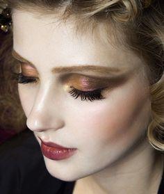 - Dior Makeup - Ideas of Dior Makeup - Smoky Amber eyes garnet lip. Makeup Inspo, Makeup Art, Makeup Inspiration, Makeup Tips, Dior Makeup, Makeup Ideas, Makeup Salon, Dress Makeup, Costume Makeup
