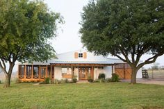 Move Over, Barndominiums—The 'Shome' Is the Next Big Design Trend Fixer Upper Marine Proposal House Always wanted to be able to knit, although not certain where do you start? This partic. Country Farmhouse Decor, Farmhouse Homes, Farmhouse Plans, Coastal Country, Modern Farmhouse, Farmhouse Style, Fixer Upper, Barn With Living Quarters, Farm Shed