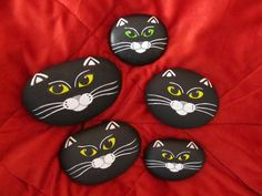 Ihr Homepagetitel... Painted cat rock heads!