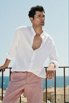 1f331640b6 A chic summer vision, Sean O'Pry dons a Massimo Dutti linen shirt with