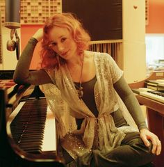 Wish I could play like her! Tori Amos