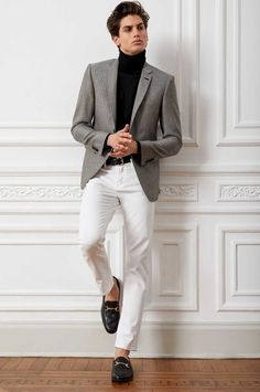 How To Wear a Grey Blazer With White Pants For Men looks & outfits) Outfit Hombre Formal, Outfits Hombre, White Pants Men, White Pants Outfit, Men's Fashion, Fashion Outfits, Fashion Trends, Business Casual Men, Well Dressed Men
