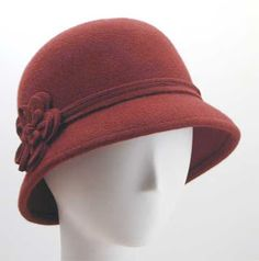Pinup clothes Wear It Like A Lady: Cloche Hat – Vezilka It's Time To Select Your Snow Blower A snow 1920s Outfits, Pin Up Outfits, Outfits With Hats, Vintage Outfits, Vintage Hats, Vintage Dresses, 1920s Hats, 1920s Flapper, Head Bandana