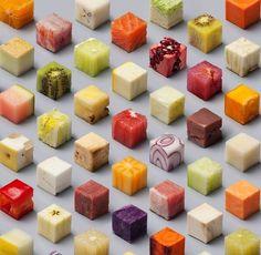 Lernert & Sander sont deux artistes photographes hollandais dont le travail se base principalement sur la mise en scène d'objets ou de personnes. Ils ont été approchés par le magasine néerlandais De Volkskrant pour réaliser la direction artistique de leur édition spéciale nourriture.  Dans cette série photographique « Cube », les deux artistes ont découpé 98 cubes de 2,5 cm dans de très nombreux aliments pour réaliser de sublimes scènes géométriques et colorées.
