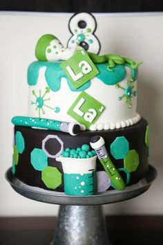 Experimenting with Science Lab Birthday Party ideas? Kara's Party Ideas is THE place for scientific party inspiration. Science Cake, Mad Science Party, Mad Scientist Party, Cupcakes, Cupcake Cakes, Chemistry Cake, Cakes For Boys, Cakepops, Themed Cakes