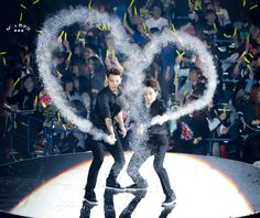 Tao <3 Xiumin <3 - 141120 The Lost Planet in Tokyo Day 3
