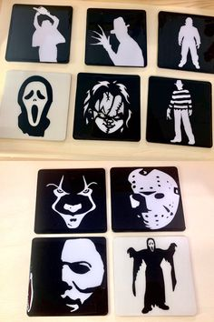 Halloween Canvas Paintings, Scary Paintings, Simple Canvas Paintings, Small Canvas Art, Mini Canvas Art, Art Halloween, Halloween Painting, Horror Crafts, Horror Art