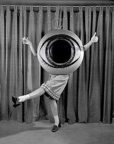 giant eyeball - creepy halloween costume