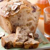 Cake aux noisettes et aux raisins - une recette Cake - Cuisine