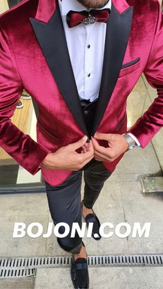 Red Blazer Outfit, Blazer Outfits Men, Groomsmen Outfits, Prom Suits For Men, Red Prom Suits, Suits For Women, Mens Red Suit, Mens Suits, Groom Suits