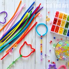 Oh my, this is such a fun activity for Summer Parties, 4th July Celebrations of simply summer play date fun - create your own Bubble Wand Making Station!