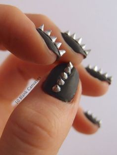 Studded Nail Designs 18 Ideas for Rocking Nails Divine Caroline Hot Nails, Hair And Nails, Edgy Nails, Stylish Nails, Gorgeous Nails, Pretty Nails, Matte Black Nails, Black Polish, Studded Nails