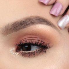 How to Create the Perfect Winged Eyeliner Makeup Eye Looks, Simple Makeup Looks, Cute Makeup, Glam Makeup, Pretty Makeup, Skin Makeup, Eyeshadow Makeup, Makeup Cosmetics, Tarte Cosmetics