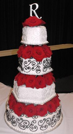 pretty red and black wedding cake. Love the flowers between the cake. Gerbera Daisies instead of roses for my wedding! Pretty Cakes, Beautiful Cakes, Amazing Cakes, Black Wedding Cakes, Purple Wedding, Cake Wedding, Floral Wedding, Wedding Flowers, Wedding Dresses