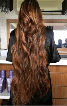 Most definitely beautiful and extremely gorgeous style and length. Long Red Hair, Very Long Hair, Long Curly Hair, Wavy Hair, Curly Hair Styles, Beautiful Long Hair, Gorgeous Hair, Aesthetic Hair, Silky Hair