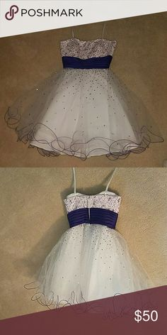 White short dress Perfect for a dance or formal even! Poofy on the bottom practically new only worn twice! It's  a size 1 / 2 Mori Lee Dresses Prom