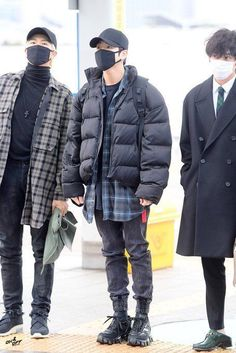 Purple Fashion, Look Fashion, Mens Fashion, Fashion Outfits, Japan Fashion, India Fashion, Street Fashion, Korean Airport Fashion, Korean Fashion