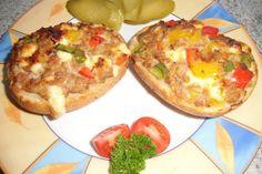 Das perfekte ❤ Hackfleisch - Pizzabrötchen ❤-Rezept mit einfacher Schritt-für-Schritt-Anleitung: Paprika, Zwiebel und Käse in kleine Würfel…