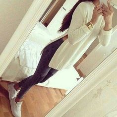 jeans nike airmax white jewels nude nails