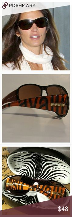Roberto Cavalli Iconic Logo Sunglasses *Yes! *Designer Iconic Logo Sunglasses! *So Chic And Look Amazing On! *Good Condition! *Comes With Case And Cleaning Cloth! *Bronze/Brown With Muted Orange/Rust Colors! *Very Unique! *Note:A few light, fine, small scratches on lenses. Only one on the Left lens and a few on the Right Lens. Not noticeable while wearing! *Cindy Crawford is wearing a similar pair of these in the first pic! This is what they look like on! Roberto Cavalli Accessories…