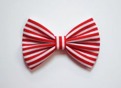 3.5 red and white striped hair bow small hair bow by TwinkleMingle, $2.99
