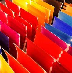 En el laboratorio de TITAN nuestros técnicos elaboran, perfeccionan y clasifican cada nuevo color posible, buscando ese tono que necesitas, aquél que has visto o que has imaginado (y que aún no has encontrado...) www.titanlux.es