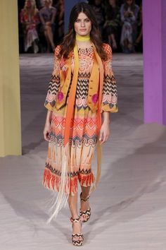 See all the Collection photos from Temperley London Spring/Summer 2017 Ready-To-Wear now on British Vogue Fashion Week, Fashion 2017, Paris Fashion, Runway Fashion, Boho Fashion, Fashion Show, Isabeli Fontana, London Spring, Temperley