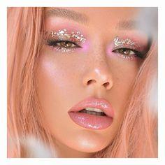 Whenever you do eye makeup, make your eyes look brighter. Your eye makeup must make your eyes stand out amongst the other functions of your face. Glam Makeup, New Year's Makeup, Cute Makeup, Pretty Makeup, Makeup Art, Hair Makeup, Angel Makeup, Pink Makeup, Girls Makeup