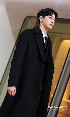 Handsome Korean Actors, Handsome Boys, Rapper, Kdrama, Guan Lin, Chinese Movies, Lai Guanlin, K Idol, Ulzzang Boy