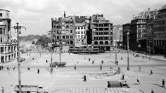 Der Fotograf Walter Lüden porträtierte die Hansestadt Hamburg über 20 Jahre. Hier der Rathausmarkt 1947, umsäumt von Ruinen
