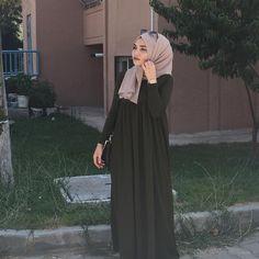 Pinterest: @eighthhorcruxx. Abaya #hijab #hijabfashion #abaya #hijabstreetstyle #style #fashion #modest #eighthhorcruxx