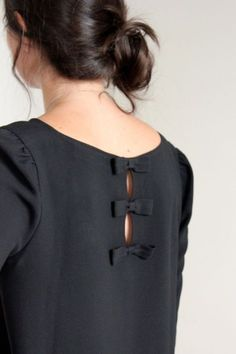 New Ideas Sewing Patterns Tops Tunics Neckline Neck Designs For Suits, Back Neck Designs, Dress Neck Designs, Blouse Designs, Designer Kurtis, Designer Dresses, Kurti Sleeves Design, Kurta Neck Design, Kurta Designs Women