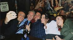 Find images and videos about robin, how i met your mother and himym on We Heart It - the app to get lost in what you love. Series Movies, Movies And Tv Shows, Tv Series, How I Met Your Mother, Robin Scherbatsky, Ted Mosby, Mother Pictures, Himym, I Meet You